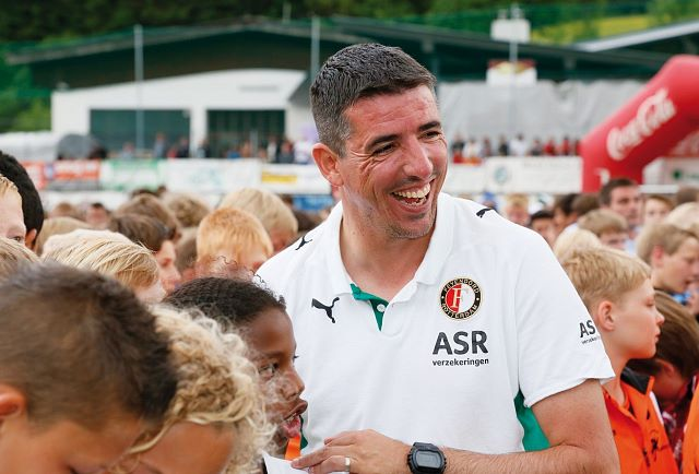Roy Makaay als Trainer beim Cup